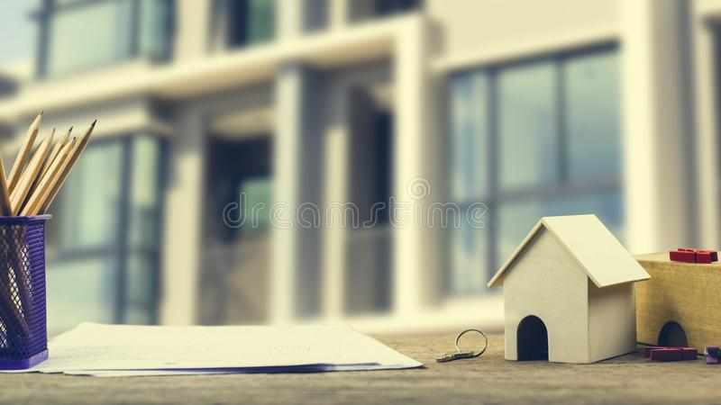 Bostadslånet som är omvänd intecknar, hus, egenskapsinvesteringbegrepp arkivfoton
