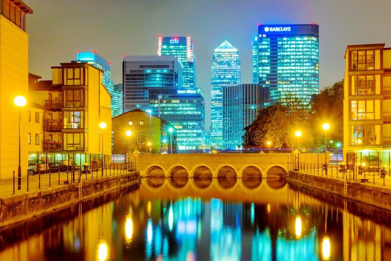 Bostadsområde i Londons det finansiella området arkivbilder