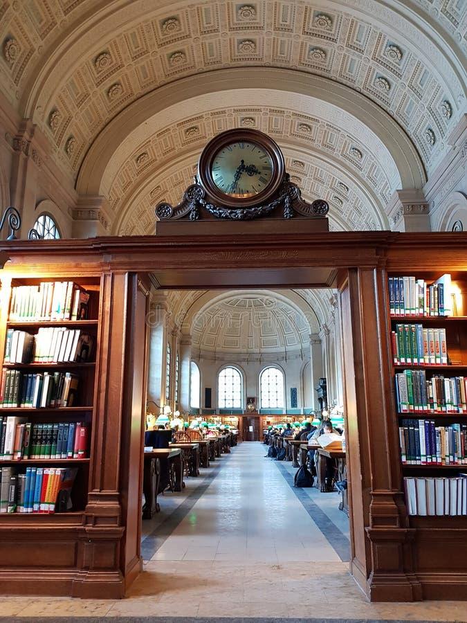 Boston-Öffentlichkeiten Libray - Bates Reading Room, stockfoto
