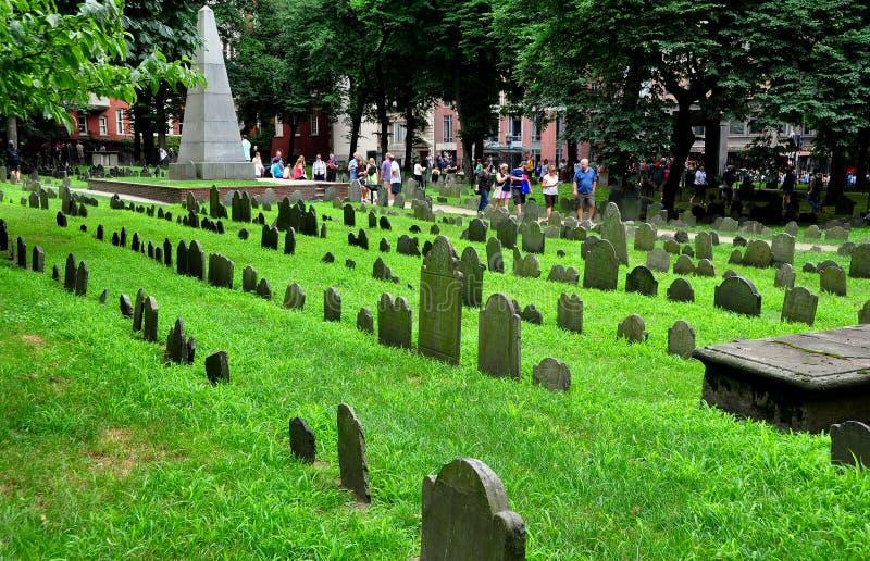 Boston, doctorandus in de letteren: de 18de Eeuwgraven bij de Begraafplaats van Grannary royalty-vrije stock foto