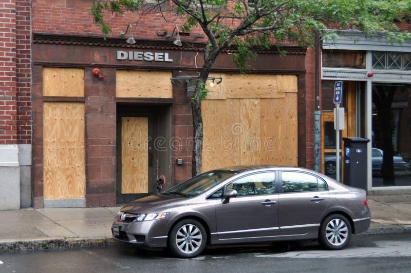 Boston, Hurrikan Irene - geschlossener Speicher in Newbury lizenzfreies stockfoto