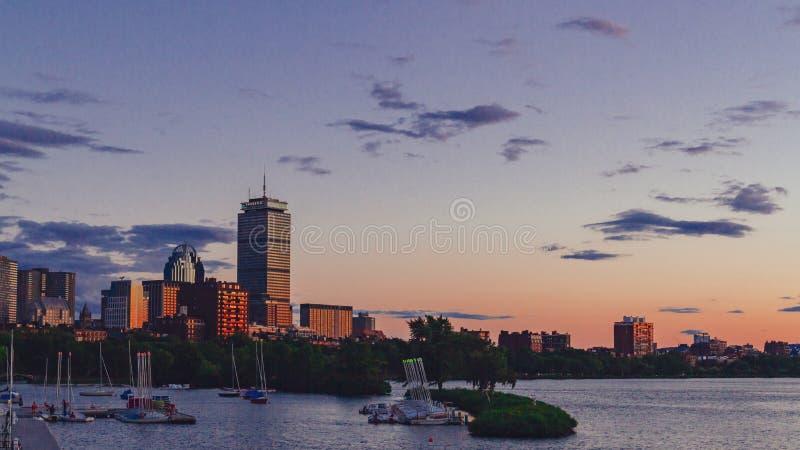 Boston linia horyzontu nad Charles rzeką przy zmierzchem w Boston, usa obraz royalty free