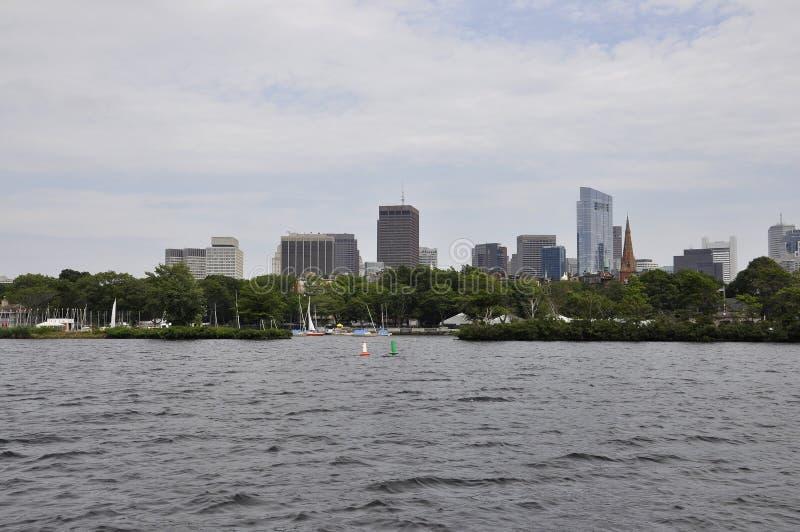 Boston linia horyzontu od Charles rzecznego rejsu w Massachusettes stanie usa obraz stock