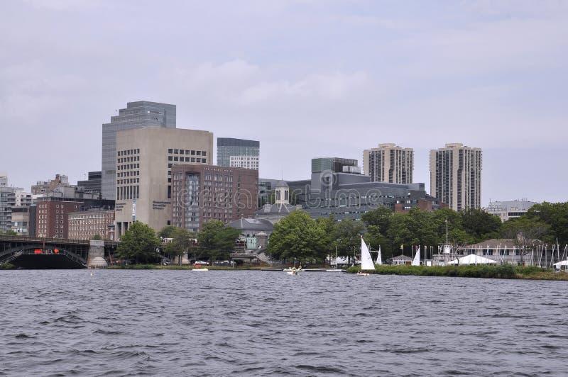 Boston linia horyzontu od Charles rzecznego rejsu w Massachusettes stanie usa obrazy stock