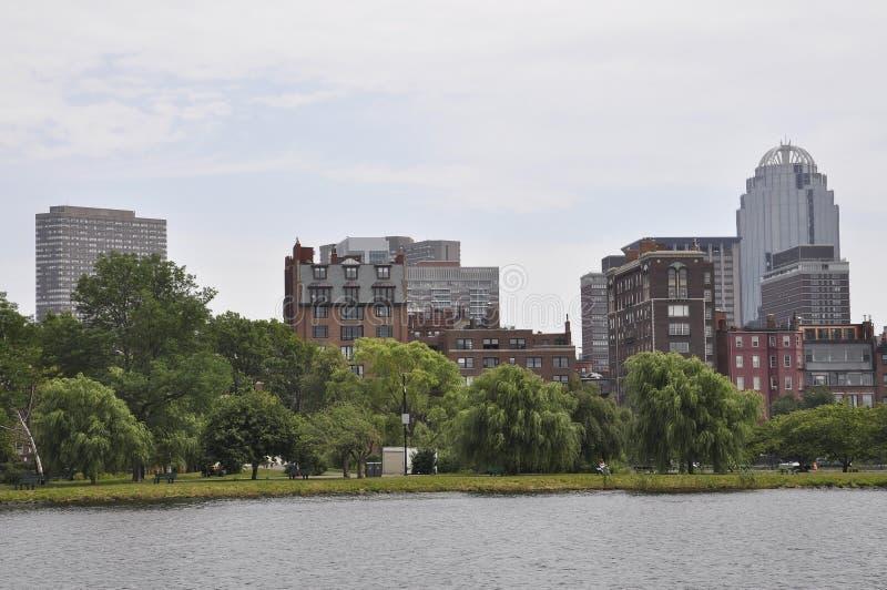 Boston linia horyzontu od Charles rzecznego rejsu w Massachusettes stanie usa fotografia royalty free