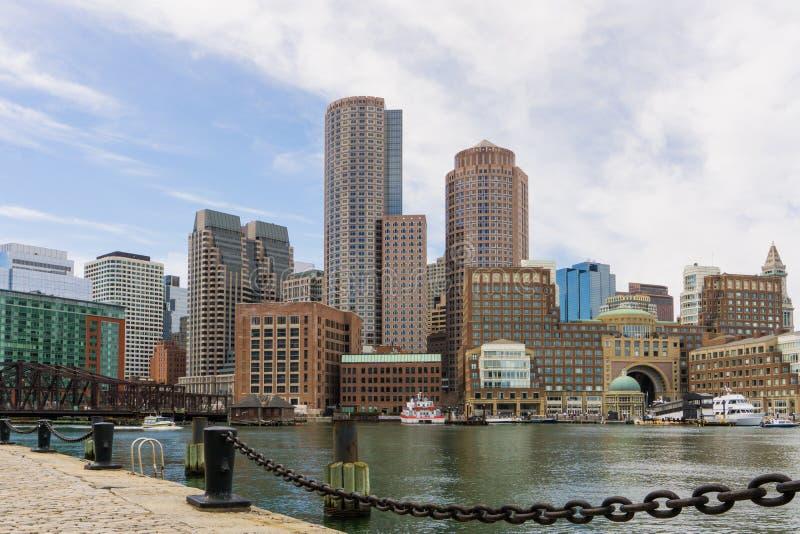 Boston linia horyzontu widok brać od fan mola Rowe nabrzeże obrazy stock