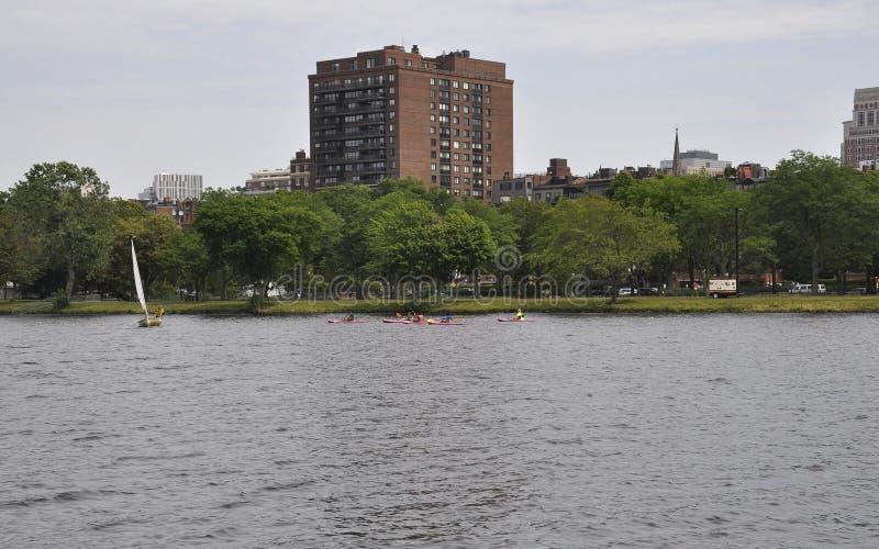 Boston linii horyzontu widok od Charles rzeki w Boston Massachusettes stanie usa zdjęcia royalty free