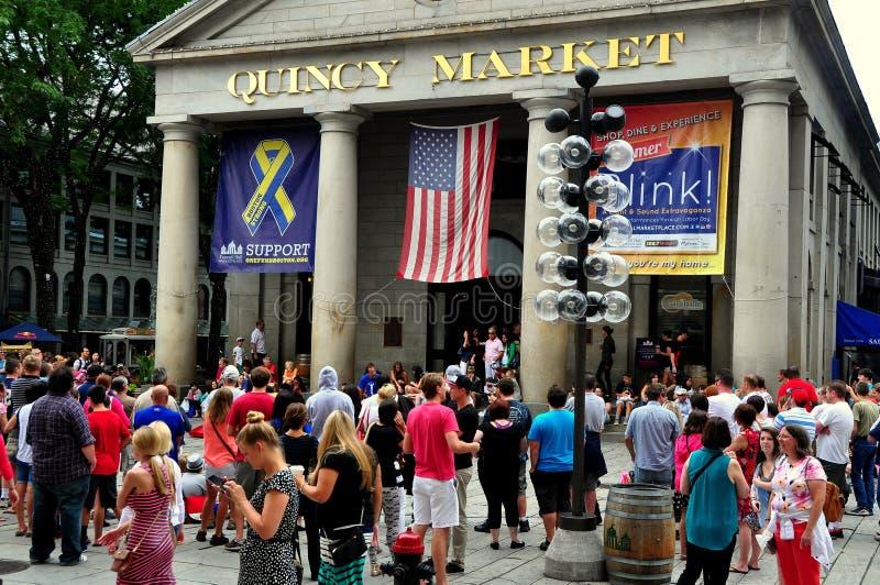 Boston, mA : Foules chez Quincy Market images libres de droits