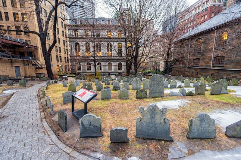 BOSTON, MASSACHUSETTS - 6 DE ENERO DE 2014: Tierra del cementerio de Boston fotos de archivo libres de regalías
