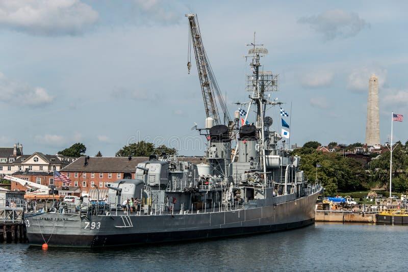 Boston Massachusetts los E.E.U.U. 06 09 2017- Hito histórico joven del nacional del destructor de la clase de USS Cassin Fletcher foto de archivo