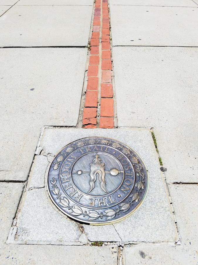 Boston, Massachusetts, U.S.A. - 8 luglio 2018 Estremità della traccia di libertà al monumento della collina di bunker fotografie stock libere da diritti