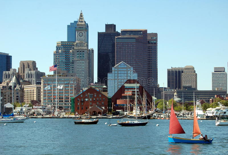 Boston, miliampère: Skyline e porto imagem de stock royalty free