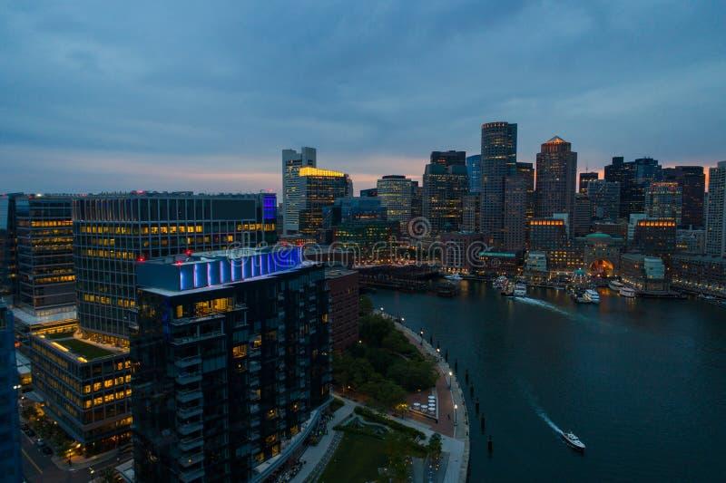 Boston nachts lizenzfreie stockbilder