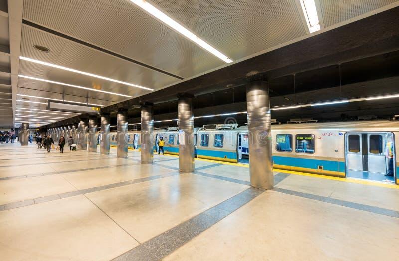 BOSTON - 17 OTTOBRE 2015: Interno della stazione della metropolitana Andando in sottomarino immagine stock libera da diritti