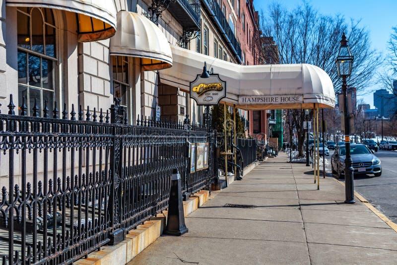 Boston, S.U.A. 8 marzo 2019: Il sitcom popolare degli anni 80 incoraggia per 11 stagione ed ha reso alla barra di Beacon Hill la  fotografie stock libere da diritti