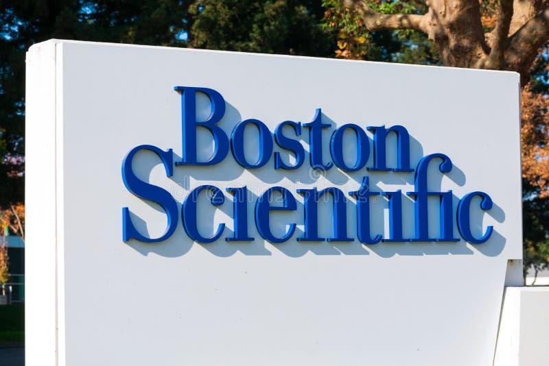 Boston Scientific Sign på tillverkaren av medicintekniska produkter Silicon Valley-kontoret royaltyfria foton