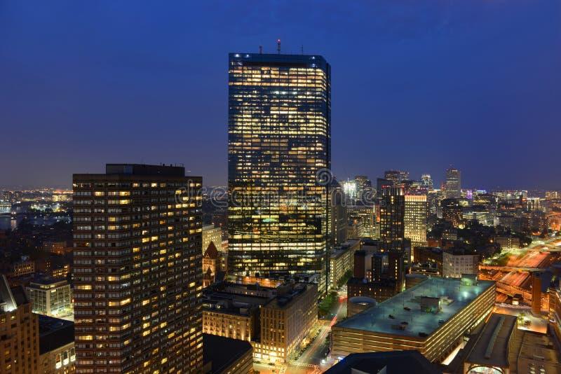 Boston-Skyline nachts, Massachusetts, USA stockfoto