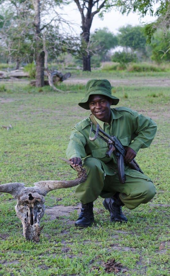 Boswachter Selous Tanzania royalty-vrije stock foto's