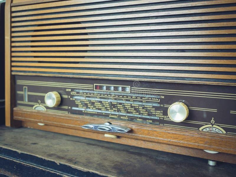 Botón ascendente del tono del vintage del cierre de radio del estilo fotos de archivo