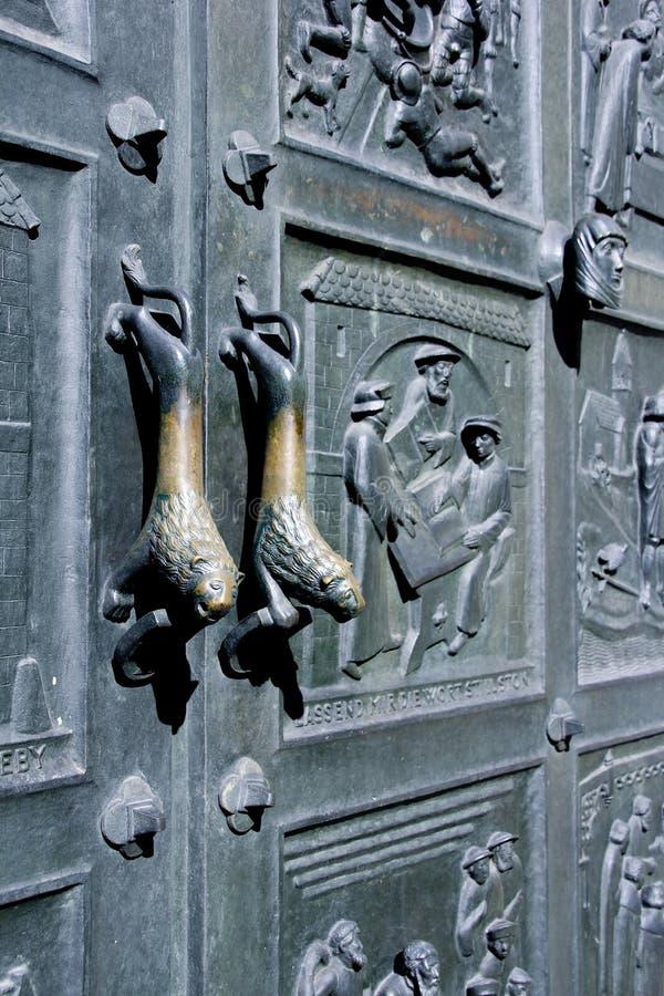 Botón de puerta doble del león foto de archivo libre de regalías