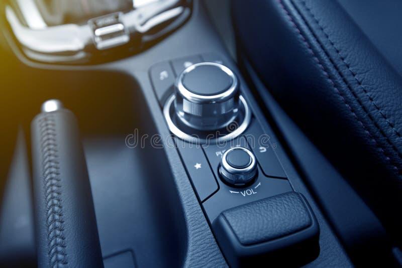 Botón del control del entretenimiento del audio para el automóvil fotografía de archivo