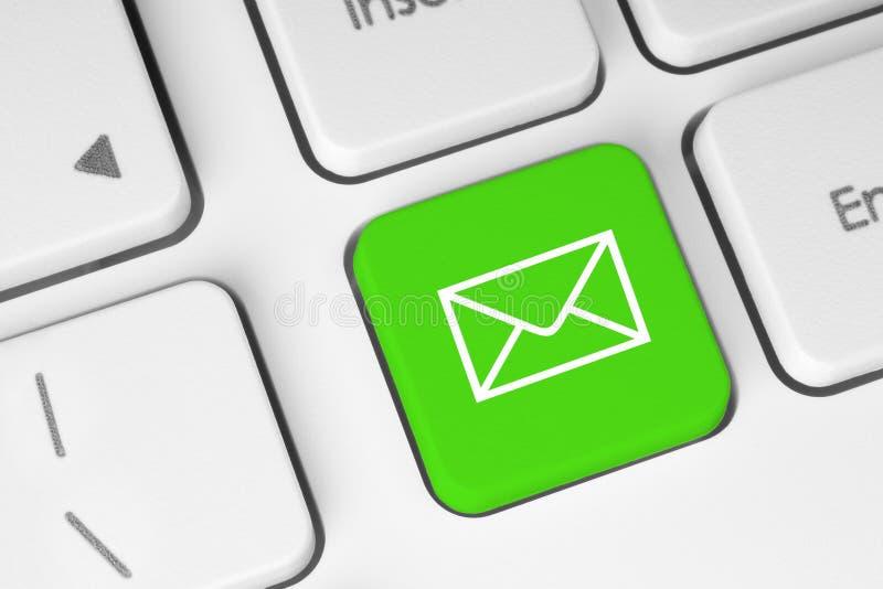 Botón del teclado del correo imagen de archivo libre de regalías