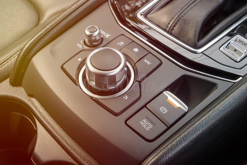 Botões do controle de sistema de áudio do carro do controle do seletor foto de stock