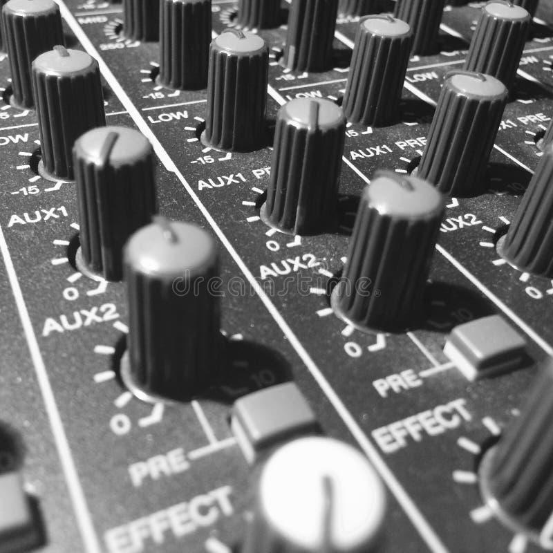 Botões do misturador para o design sonoro imagens de stock royalty free