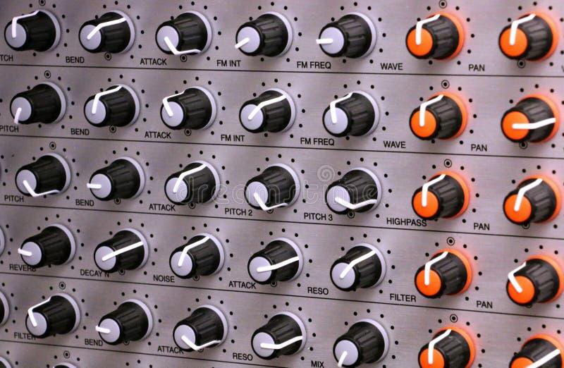 Botões do sintetizador fotos de stock