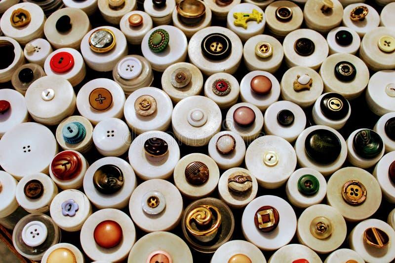 Botões redondos para a roupa fotografia de stock royalty free