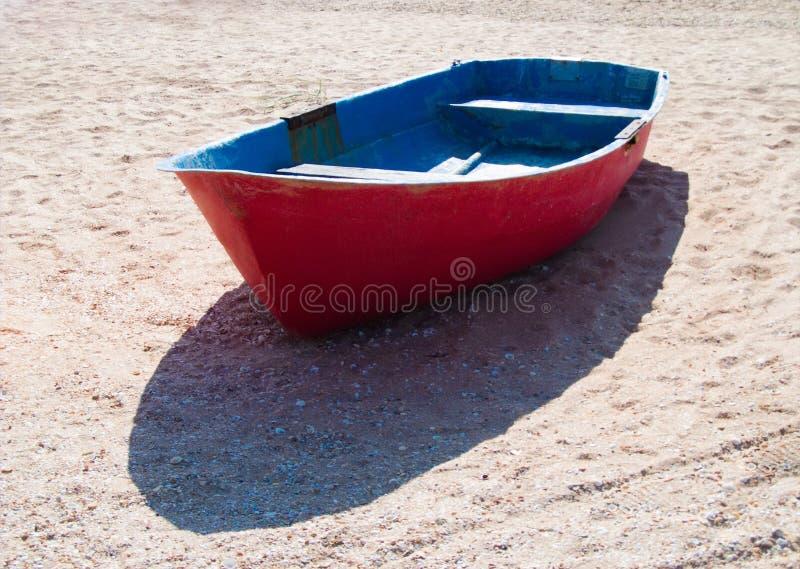 Bot de mer sur le sable images libres de droits