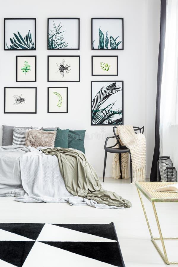 Botaniczna stylowa sypialnia z galerią obraz royalty free