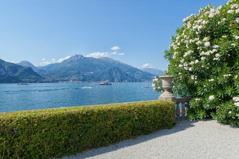 Botanische tuin, meer Como, Varenna, Lombardia, Italië royalty-vrije stock foto