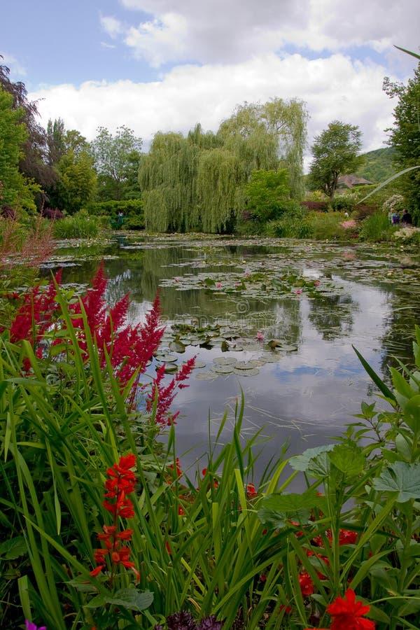 Botanisk trädgård av målaren Monet i Giverny, Frankrike arkivbild