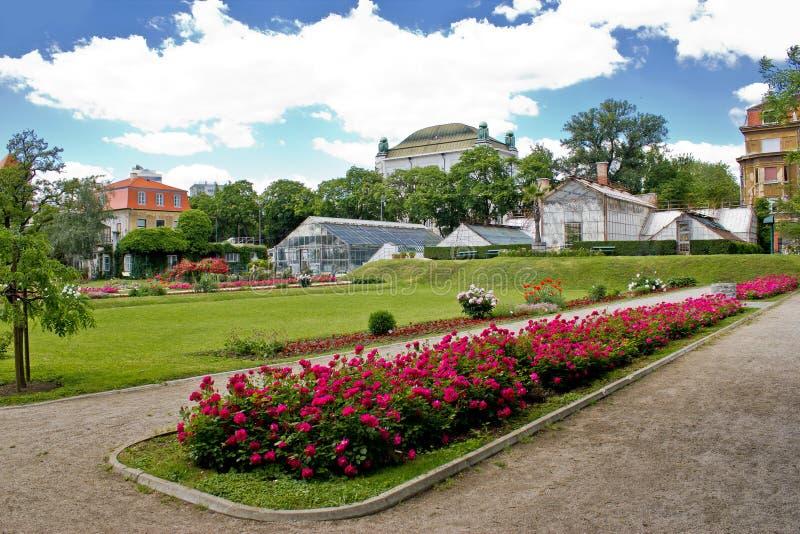 Botanisk trädgård i stad av Zagreb royaltyfria bilder