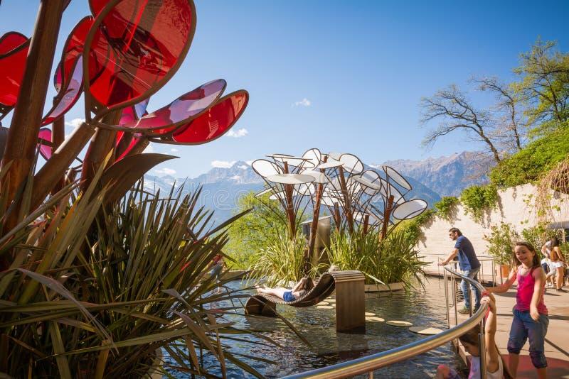 Botaniska trädgårdarna av Trauttmansdorff rockerar, Merano, södra tyrol, Italien, royaltyfria foton