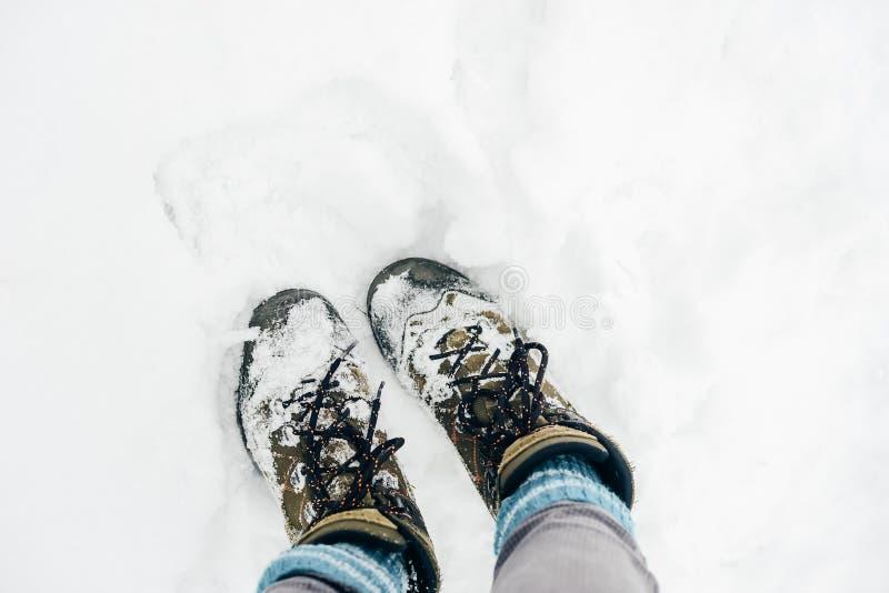 Botas calientes en la nieve en Rusia foto de archivo libre de regalías