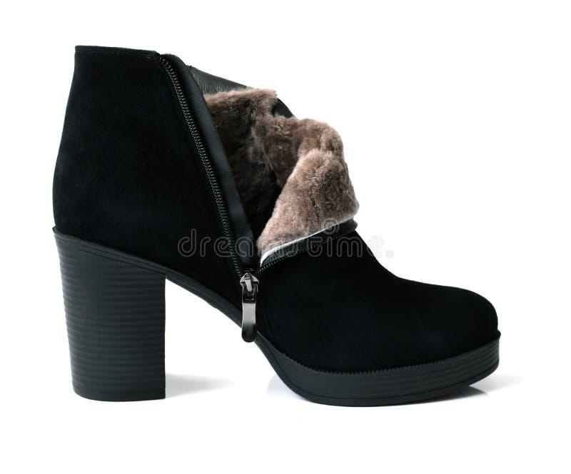 Botas do tornozelo das mulheres negras com pele natural foto de stock
