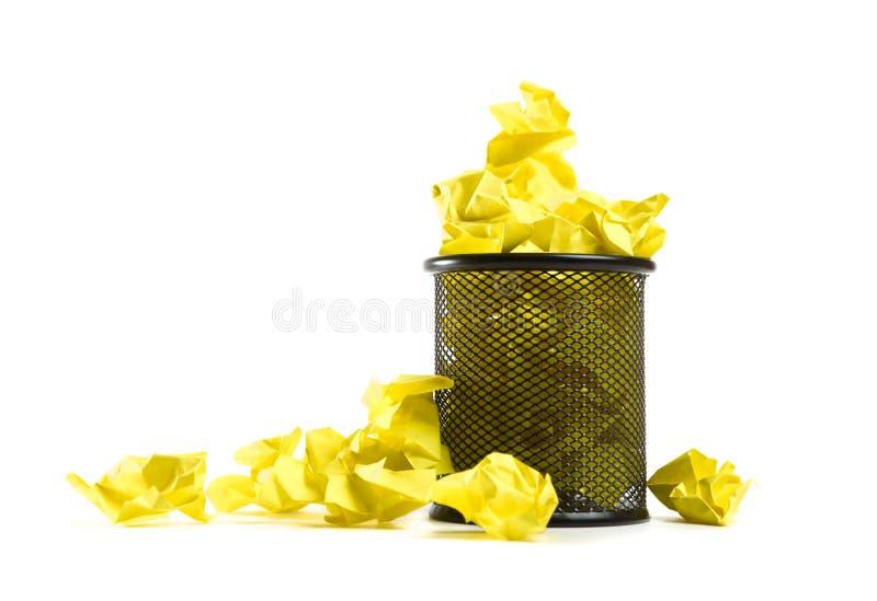 Bote de basura lleno imágenes de archivo libres de regalías