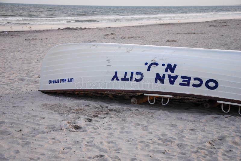 Bote salvavidas de New Jersey de la ciudad del océano fotos de archivo