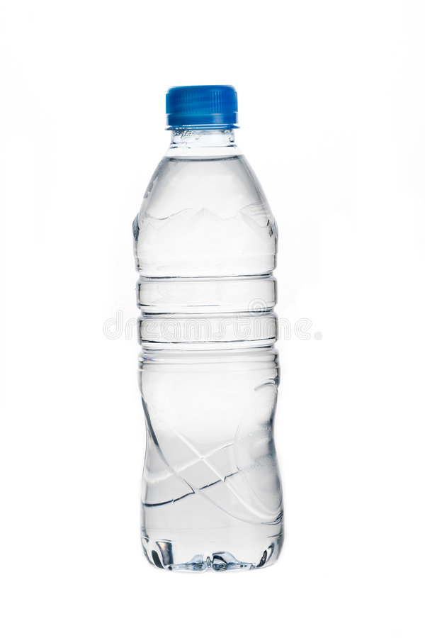 Botella de agua aislada en blanco imágenes de archivo libres de regalías