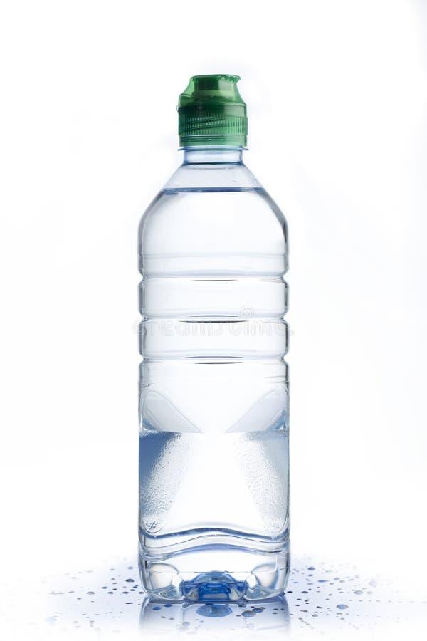 Botella de agua plástica fotografía de archivo libre de regalías