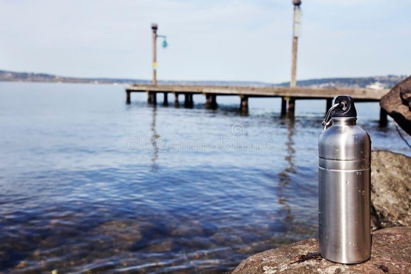 Botella de agua reutilizable fotografía de archivo
