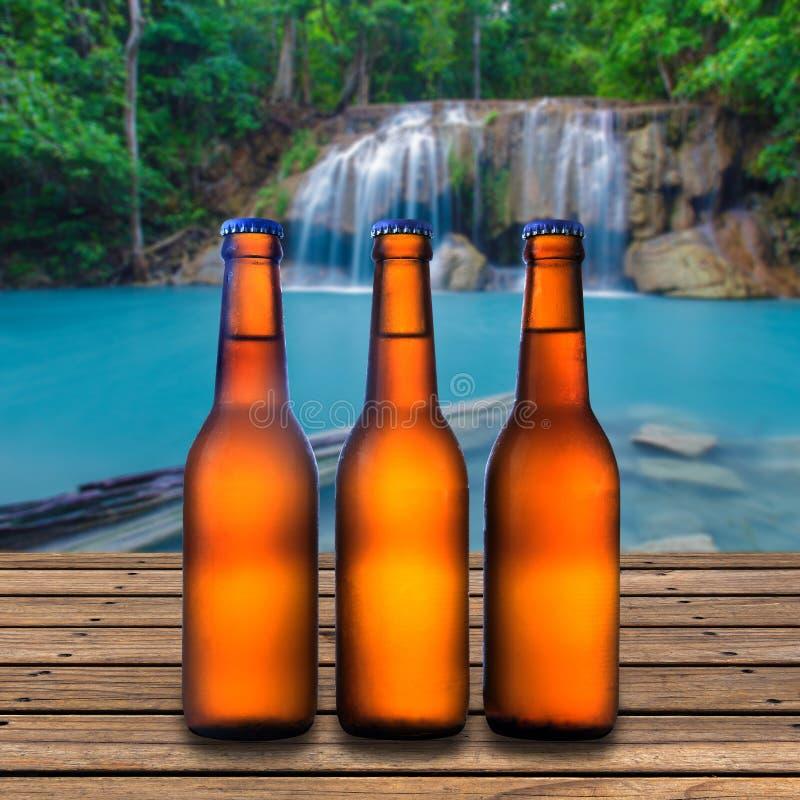 Botella de cerveza fotos de archivo
