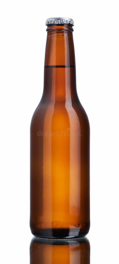 Botella de cerveza marrón brillante fotos de archivo libres de regalías