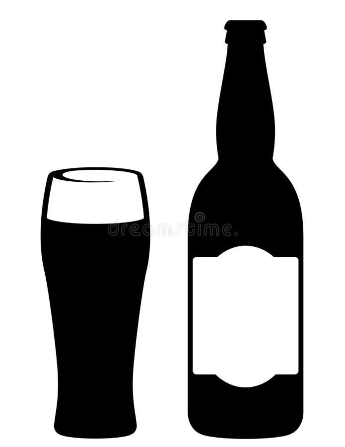 Botella de cerveza negra con el vidrio stock de ilustración