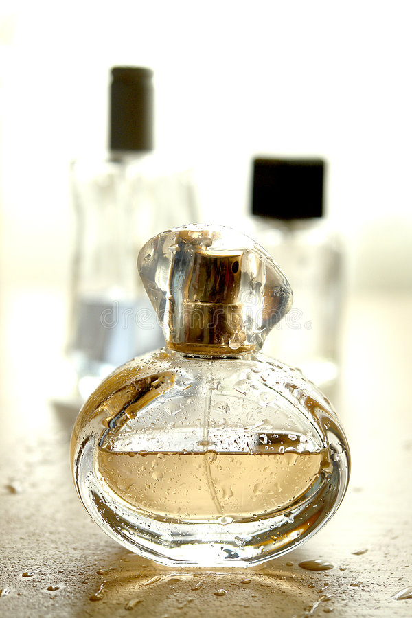 Botella de Colonia fotos de archivo