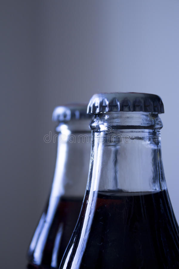 Botella de cristal del refresco de la cola de la soda carbónica fotos de archivo libres de regalías