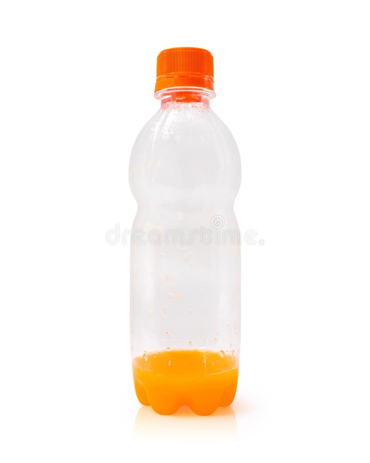 Botella del zumo de naranja aislada en el fondo blanco Envase de jugo de fruta fresco Objeto de las trayectorias de recortes Ido  imagen de archivo