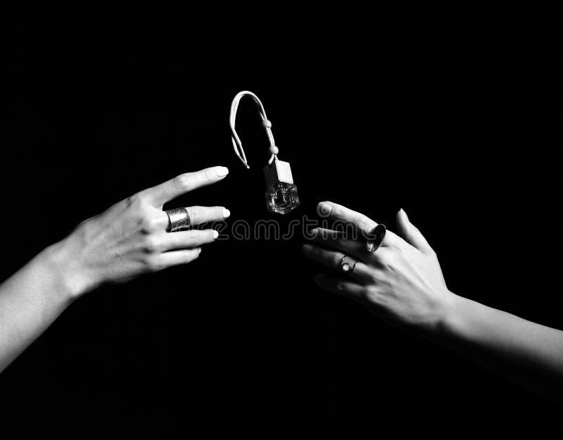 Botella masculina del soporte de perfume Botella y perfumería, cosméticos del perfume o del cologne Rebecca 36 fotos de archivo libres de regalías
